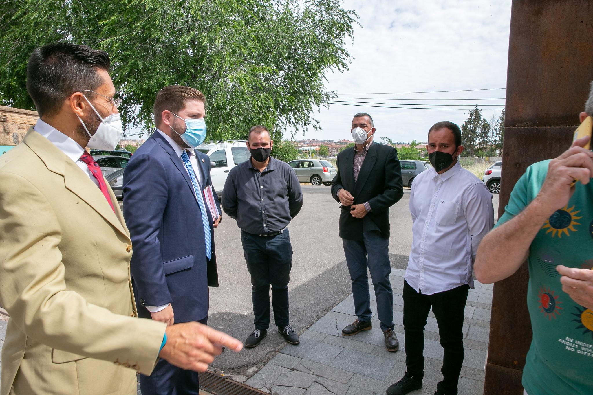 El consejero de Fomento, Nacho Hernando, ha presentado el Área de Prestación Conjunta del Taxi de La Sagra