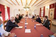 Reunión con los miembros de la Real e Ilustre Archicofradía de Nuestra Señora de Cortes en Alcaraz