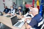 El jefe del Ejecutivo autonómico, Emiliano García-Page, sigue la evolución del temporal desde la sede del 112