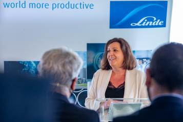 Primera piedra de la nueva planta de Linde Gas España (Economía)