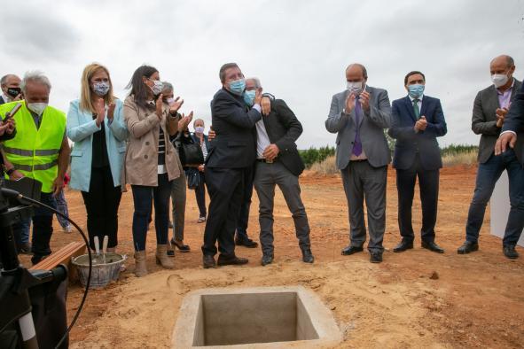 Coloca la primera piedra del nuevo Centro de Salud de Campillo de Altobuey (Cuenca)