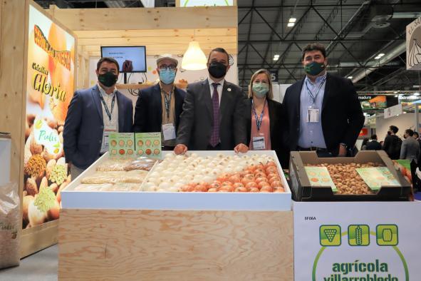 El consejero de Agricultura, Agua y Desarrollo Rural, Francisco Martínez Arroyo, asiste a la XIII edición de 'Fruit Attraction', la Feria Internacional de Frutas y Hortalizas