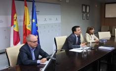 El consejero de Agricultura, Agua y Desarrollo Rural mantiene una reunión por videoconferencia con las empresas lácteas de la región
